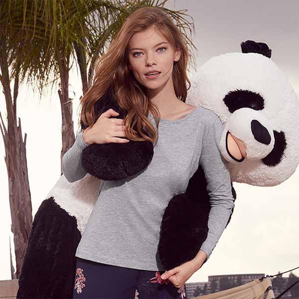 t-shirt personalizzata da donna con maniche lunghe