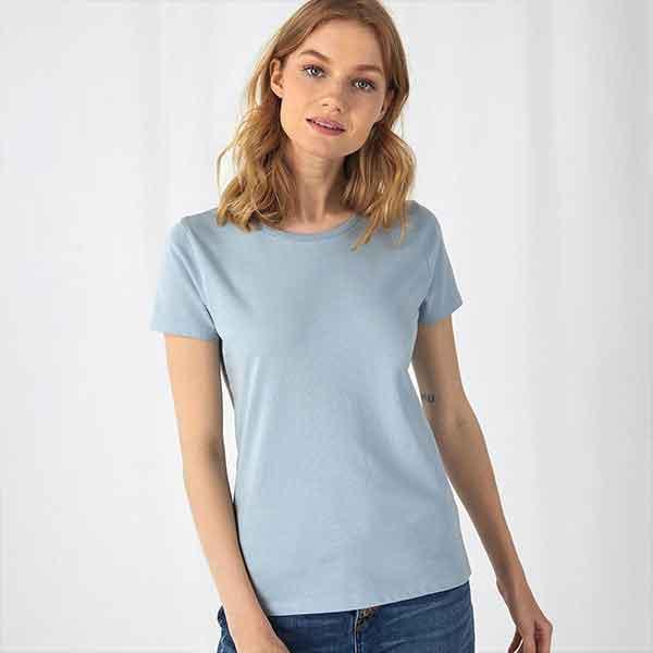 t-shirt personalizzata organica da donna