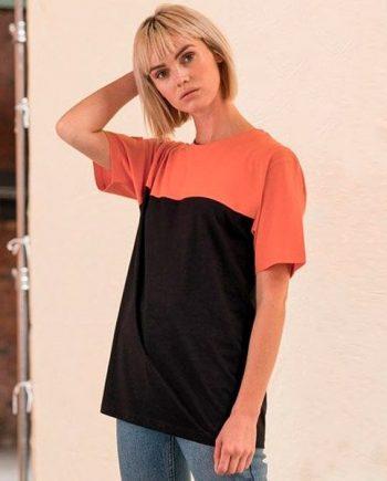 t-shirt personalizzata bicolor nera e colorata